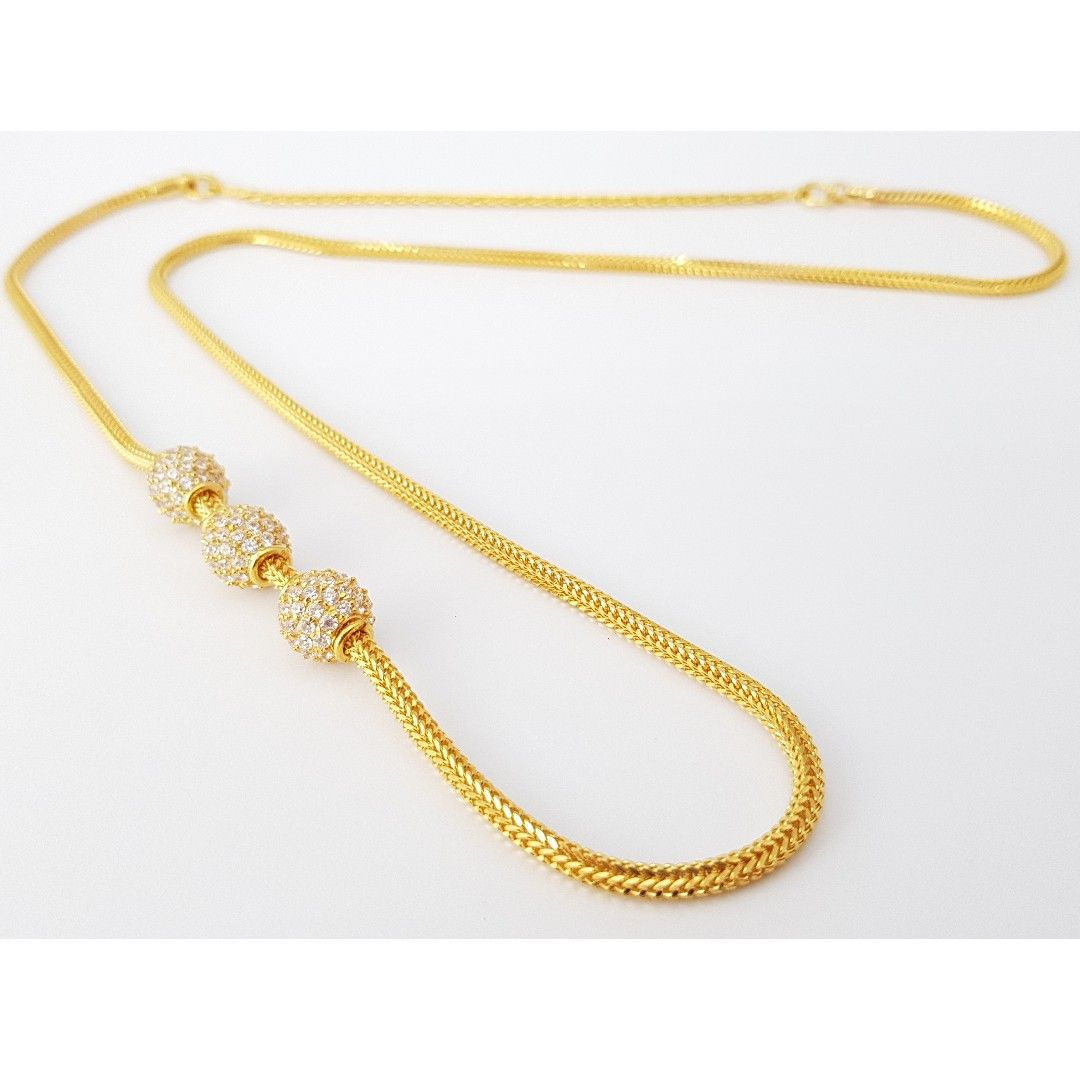 gold triple stone side mopu tali chain luxury accessories on