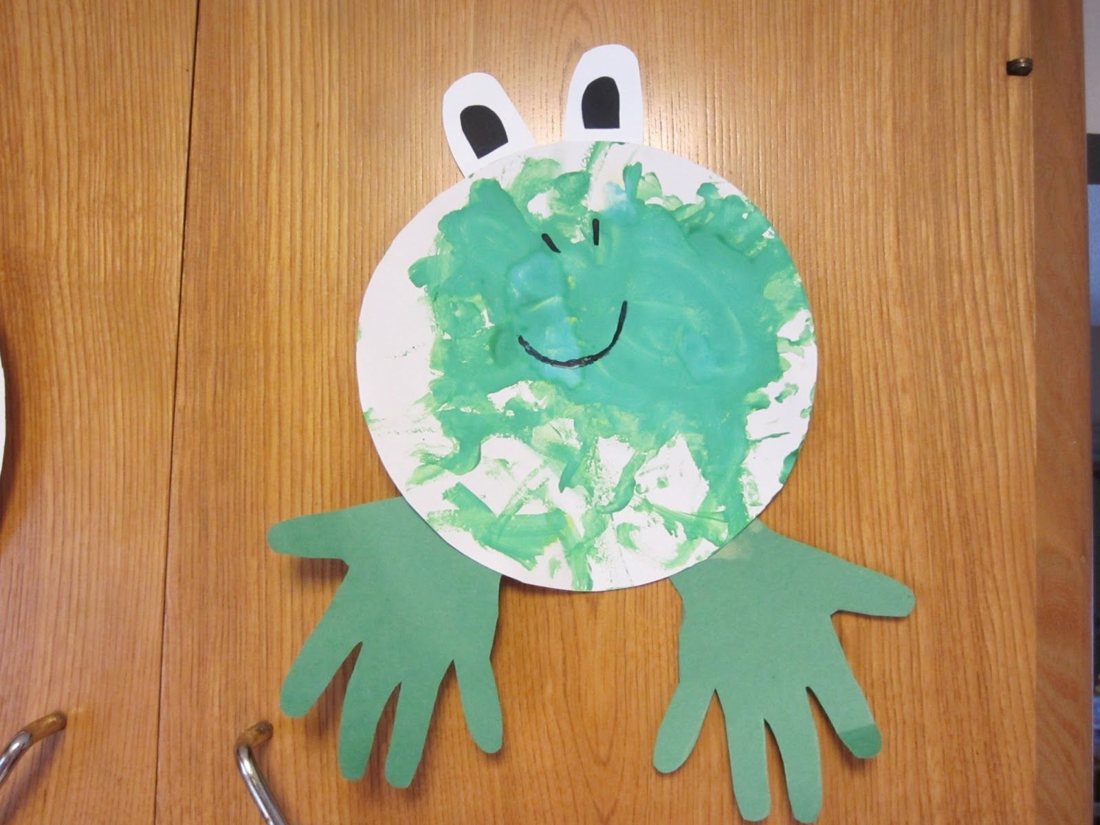 1 color art projects for preschoolers | around the color of the week ...