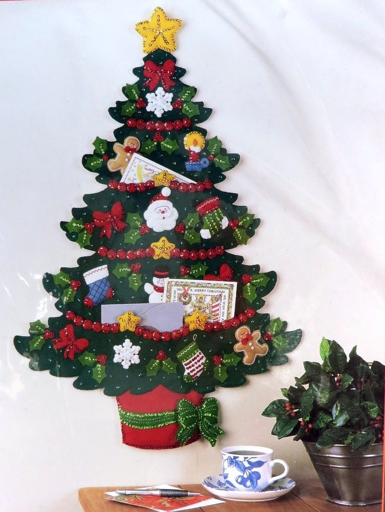 NEW Bucilla Christmas Tree Card Holder Felt Applique Kit Holiday