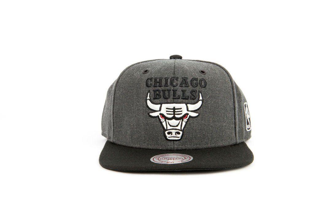 43d071b4a5c Mitchell   Ness G3 Logo - Chicago Bulls Grey Snapback