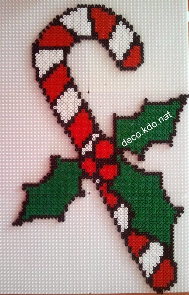 Christmas candy cane hama perler beads by for Modele maison perle a repasser