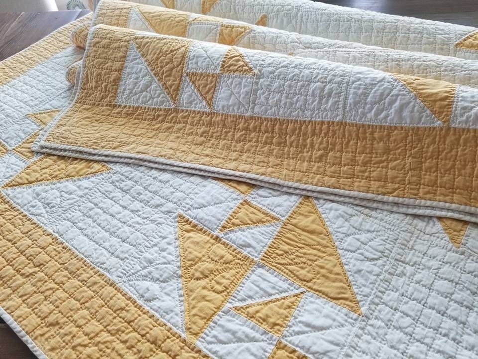 Beautiful Quilting Antique C1900 Mustard Yellow White Quilt Hens Chicks Quilts Vintage Quilts Quilted Coverlet