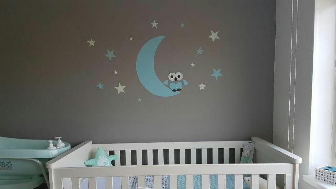 Babykamer Behang Sterren : Muurdecoratie babykamer gemaakt van behang. uil op de maan met