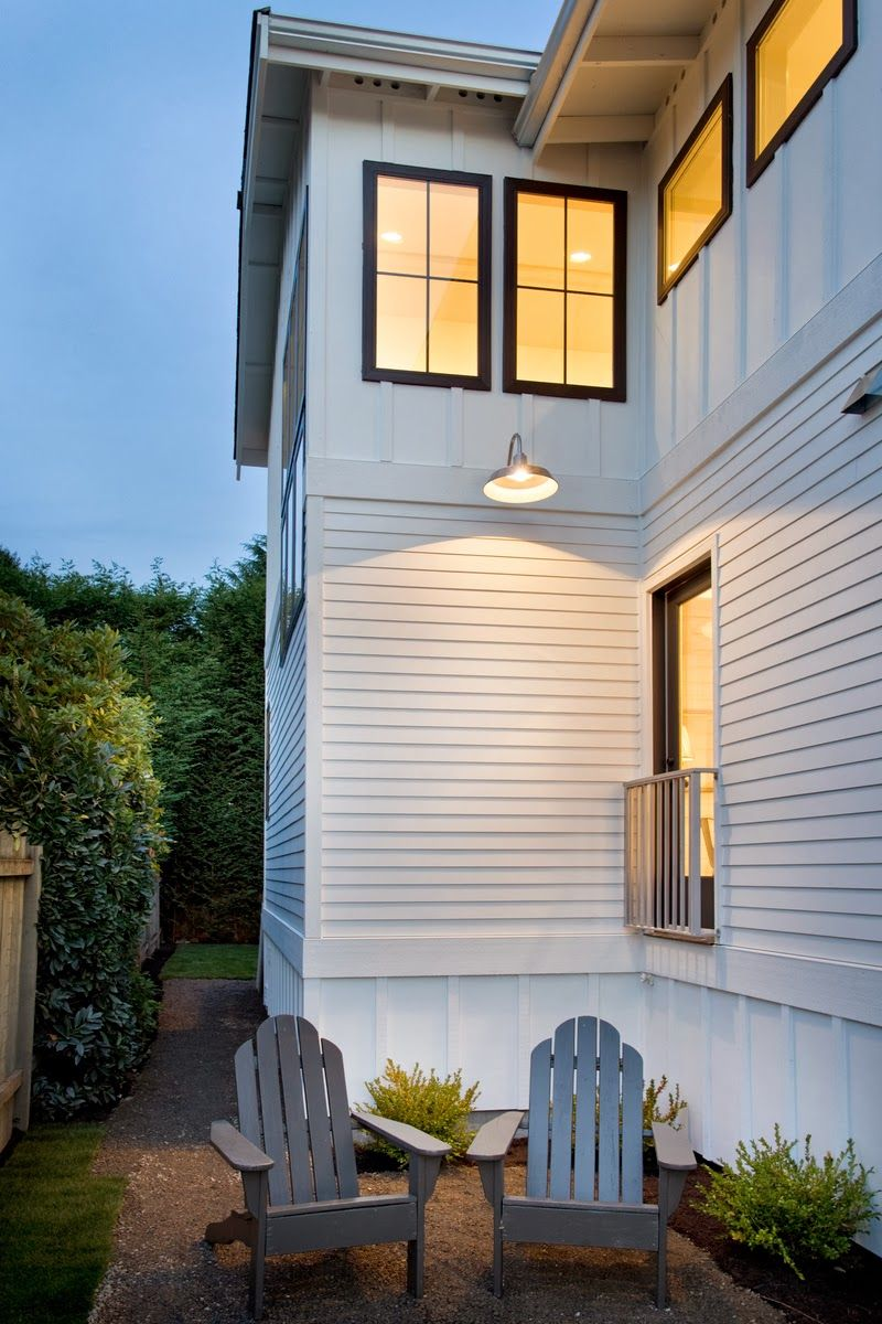 The 25 best exterior wall cladding ideas on pinterest for Vinyl siding contemporary homes