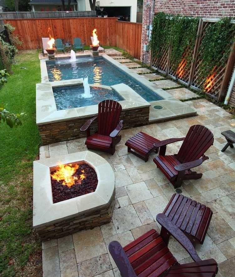Natursteinplatten Terrassenbodenbelag und Holz Adirondack Stühle ...