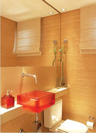 Uma cuba colorida pode dar o toque final ao banheiro. Fonte: Casa e Jardim