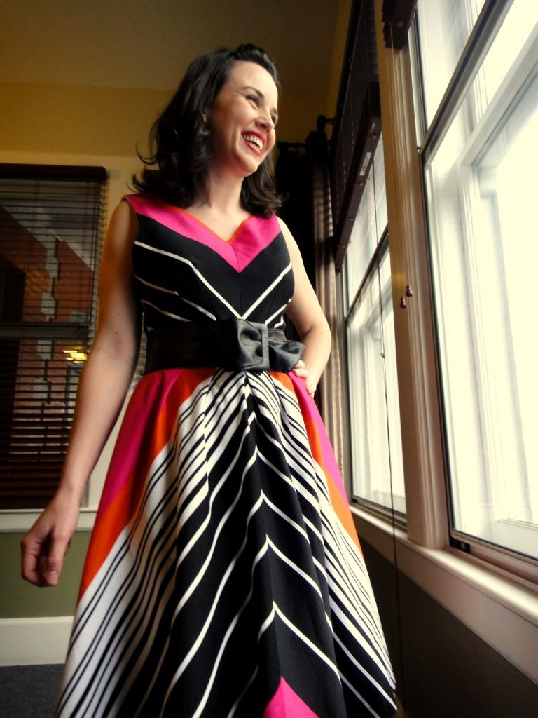 Playing With Stripes: Simplicity 2444 v2.0