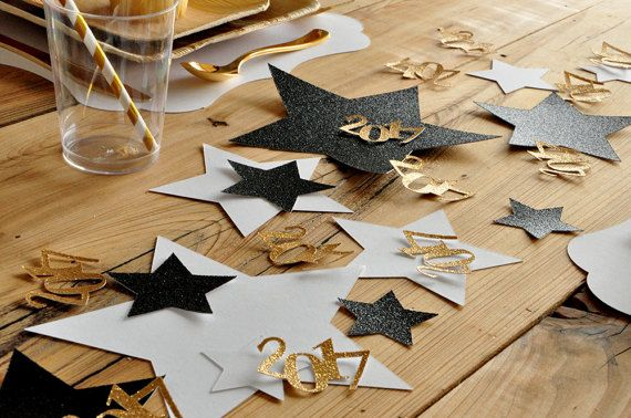Graduation Table Confetti.  Jumbo Star Confetti with 2017.
