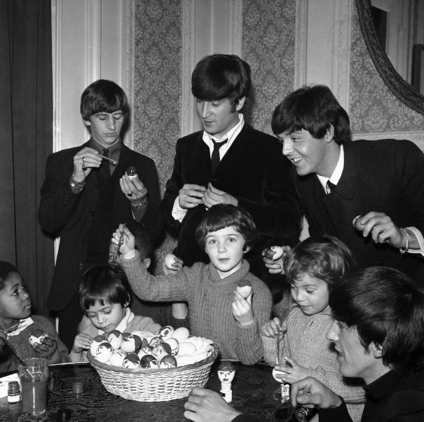 9 examples of incredible Easter eggs | Beatles photos, The beatles ...
