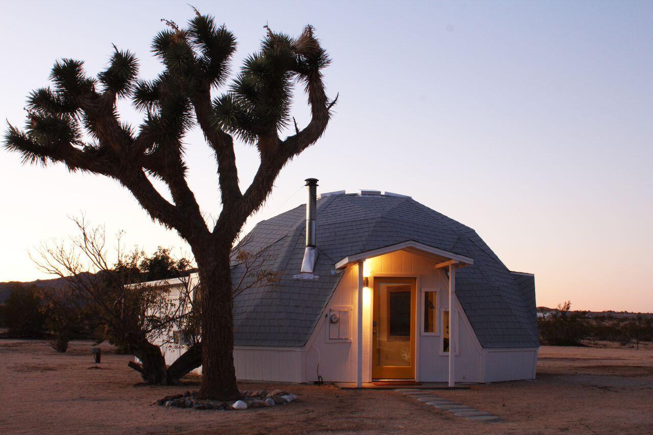 dome in the desert escape to joshua tree design. Black Bedroom Furniture Sets. Home Design Ideas