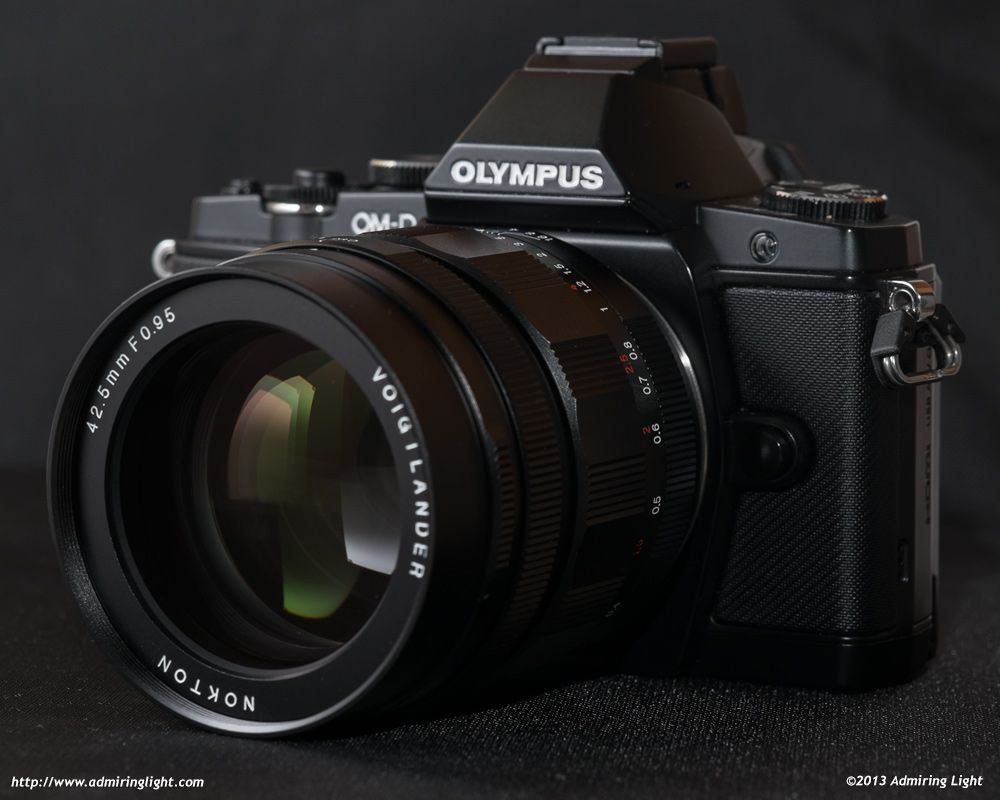 Review: Voigtländer Nokton 42.5mm f/0.95 : The Voigtländer Nokton 42.5mm f/0.95 on the Olympus OM-D E-M5