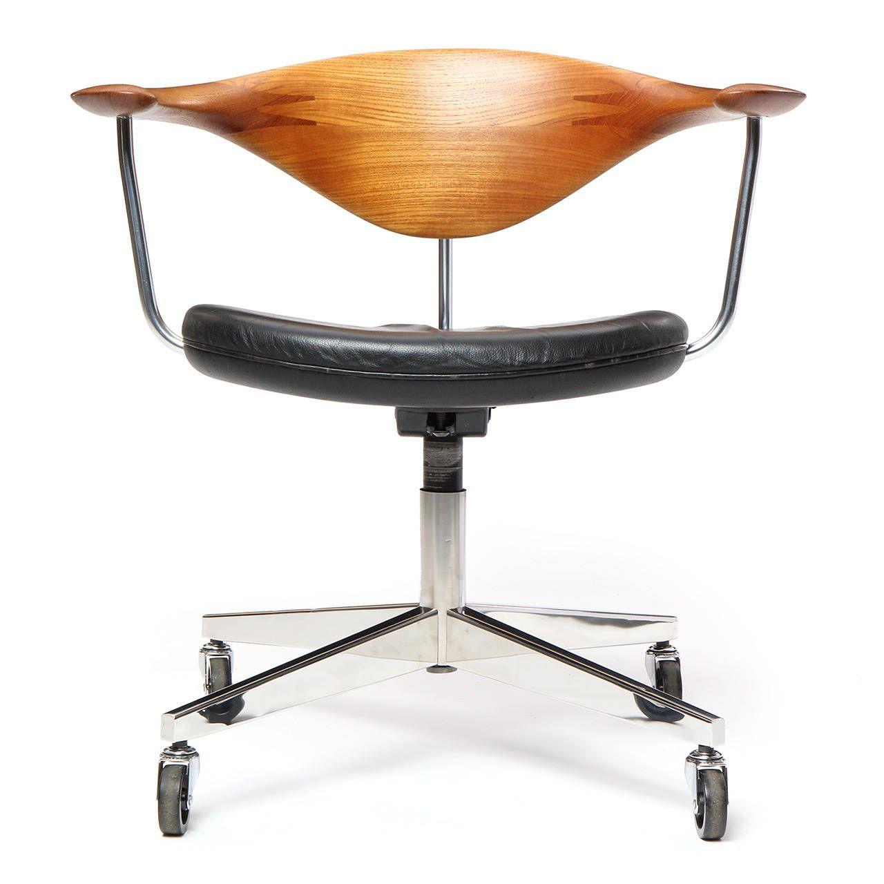 Swivel Chair by Hans J. Wegner image 2