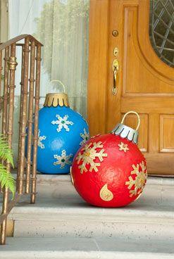 Esferas gigantes para exteriores revista kena la navidad - Ideas decoracion navidad manualidades ...