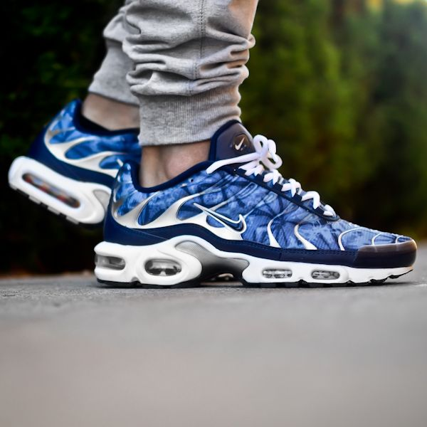 best sneakers 324d9 63adb Snapshots  Training In The Nike Air Max Plus   TheShoeGame.com - Sneakers    Information
