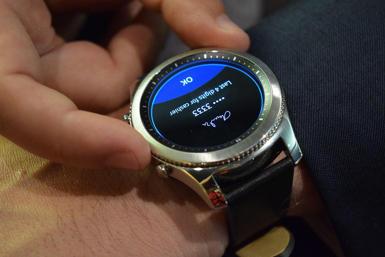 Mira el reloj inteligente Samsung Gear S3 más clásico