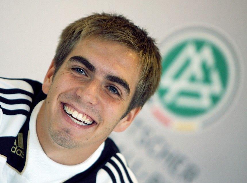 WM 2010: Philipp Lahm - Nix Leitbulle - es dirigiert Kollege ...