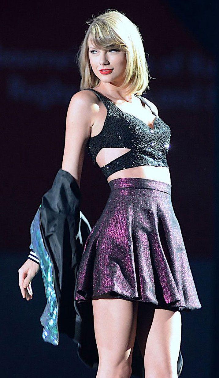 We wonder if Taylor Swift has seen her latest lookalike?