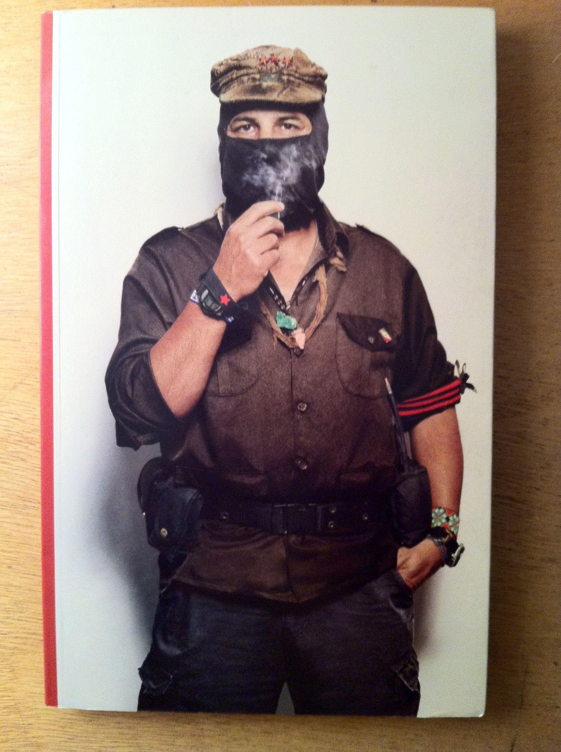 El Subcomandante Marcos foto por Ricardo Trabulsi del libro \