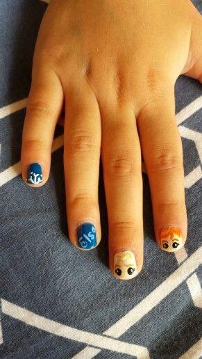 Elsa n Anna nails. .frozen ❄