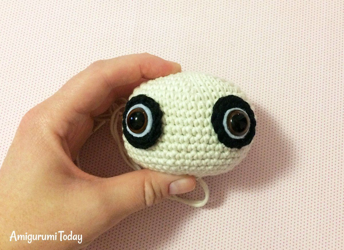Baby Pug Dog amigurumi pattern - head