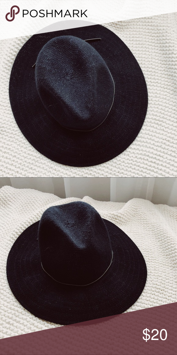 ✨UO Floppy Hat✨ cute black floppy hat I have a very small head so 4ada029262d