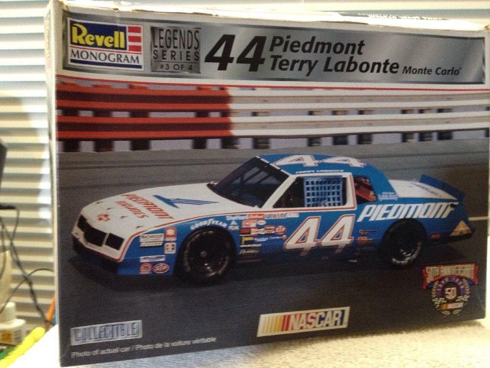 Revell Terry Labonte Piedmont #44 '84 Monte Carlo NASCAR 1/24th Model Kit  1998 #RevellMonogram