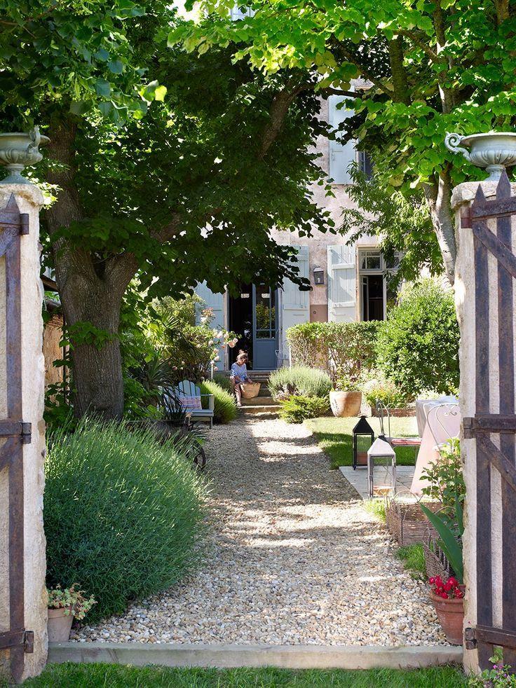 Guia Para Poner Tu Jardin A Punto Esta Primavera Jardines Entrada Al Jardin Patio Y Jardin