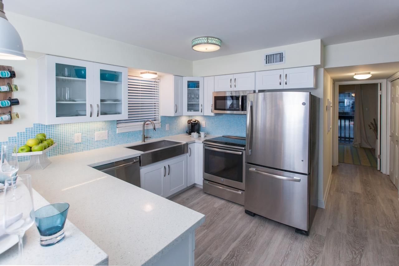 20 small kitchen makeovers by hgtv hosts kitchen designs choose kitchen layouts rem on kitchen ideas white id=51706