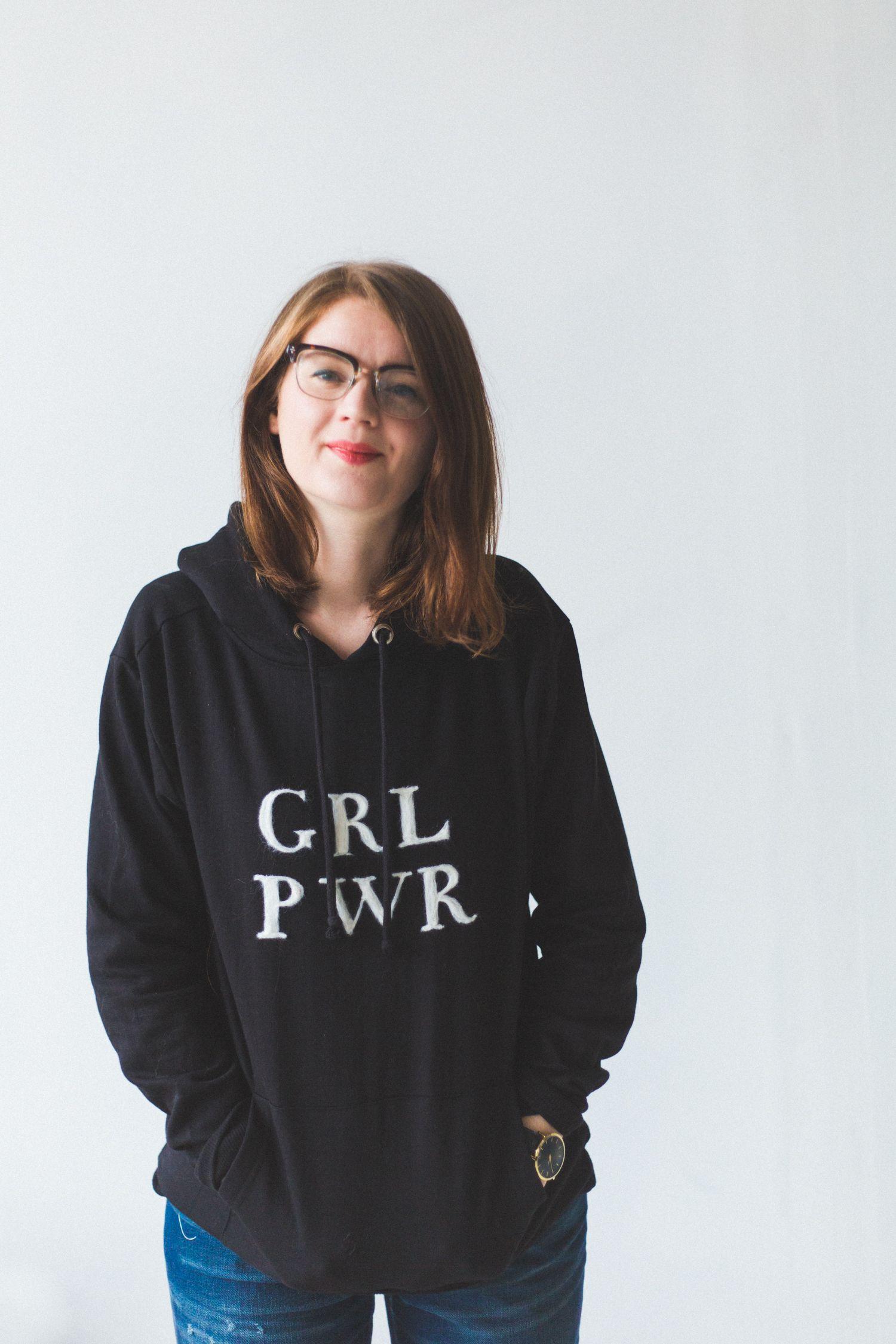 Худи GRL PWR из игольного войлока |  Падение для DIY