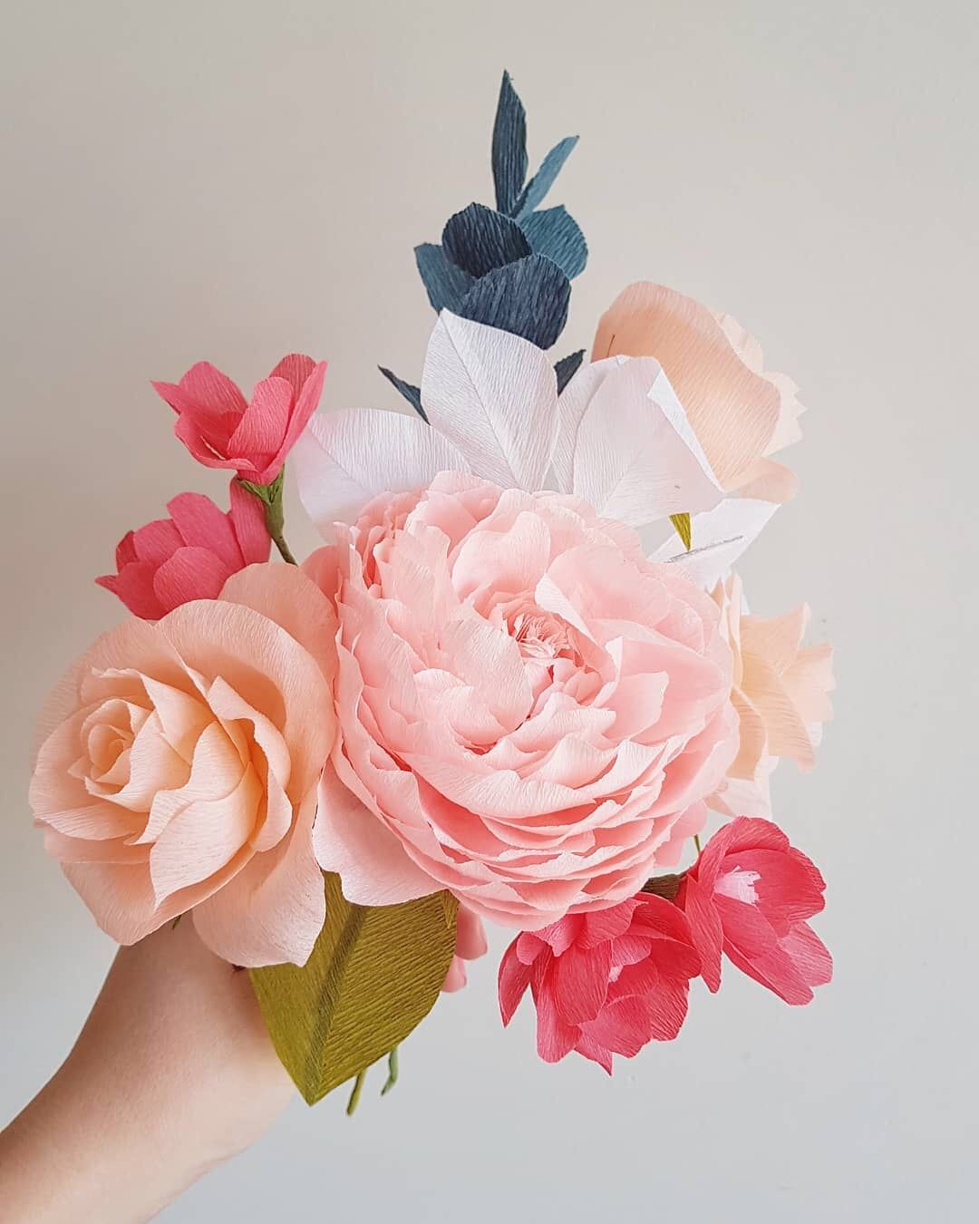 Paper Flower Bouquets Are An Amazing Everlasting Gift Idea Find 140 Colors In Our Online Store To Make S With Images Paper Flowers Diy Paper Flower Bouquet Paper Flowers