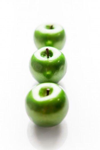 pâtisserie Les Contemporaines, pomme verte en trompe,l\u0027oeil au Meurice