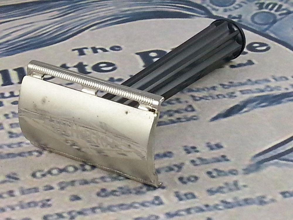 Gillette Plastic Handle Tech 1953 Y1 Vintage Double Edge