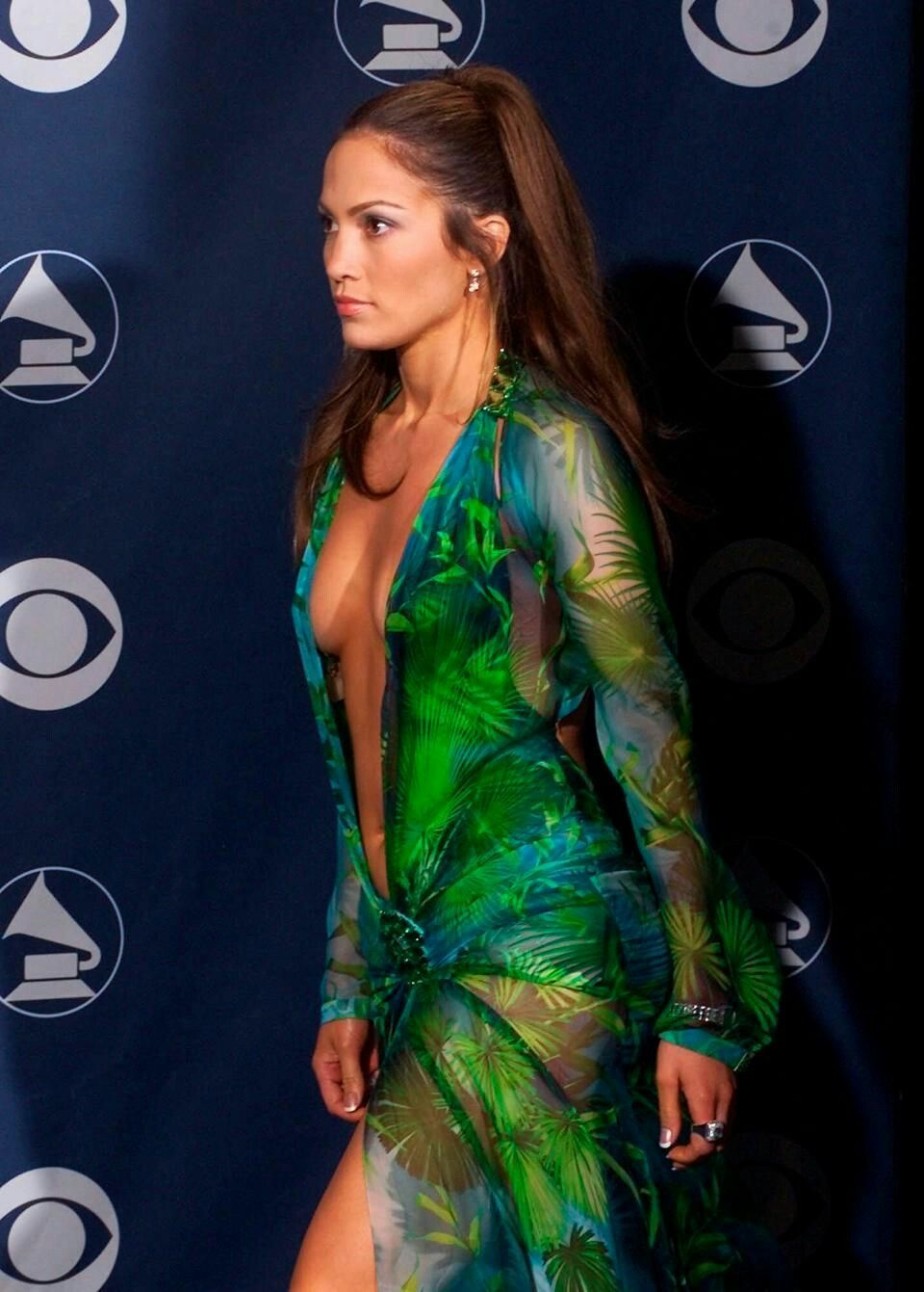 J Lo Versace Dress Jennifer Lopez Dress Grammy Dresses Fashion [ 2500 x 1640 Pixel ]