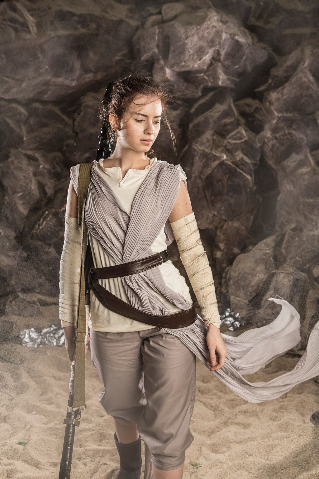 The best Rey cosplay I've ever seen so far. | Rey Cosplay ...