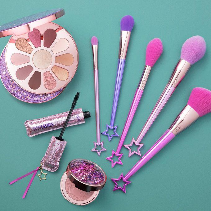 56418c67d6a Набор косметики Tarte Love, Trust & Fairy Dust Vault Волшебный яркий набор  для макияжа Tarte Love, Trust & Fairy Dust Vault это мечта каждой девушки.