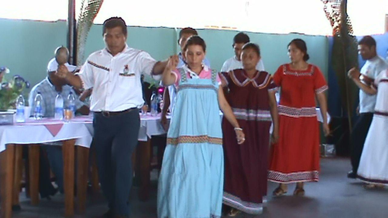 Vestido Tipico de los Indios provincia de chiriquí en Panamá
