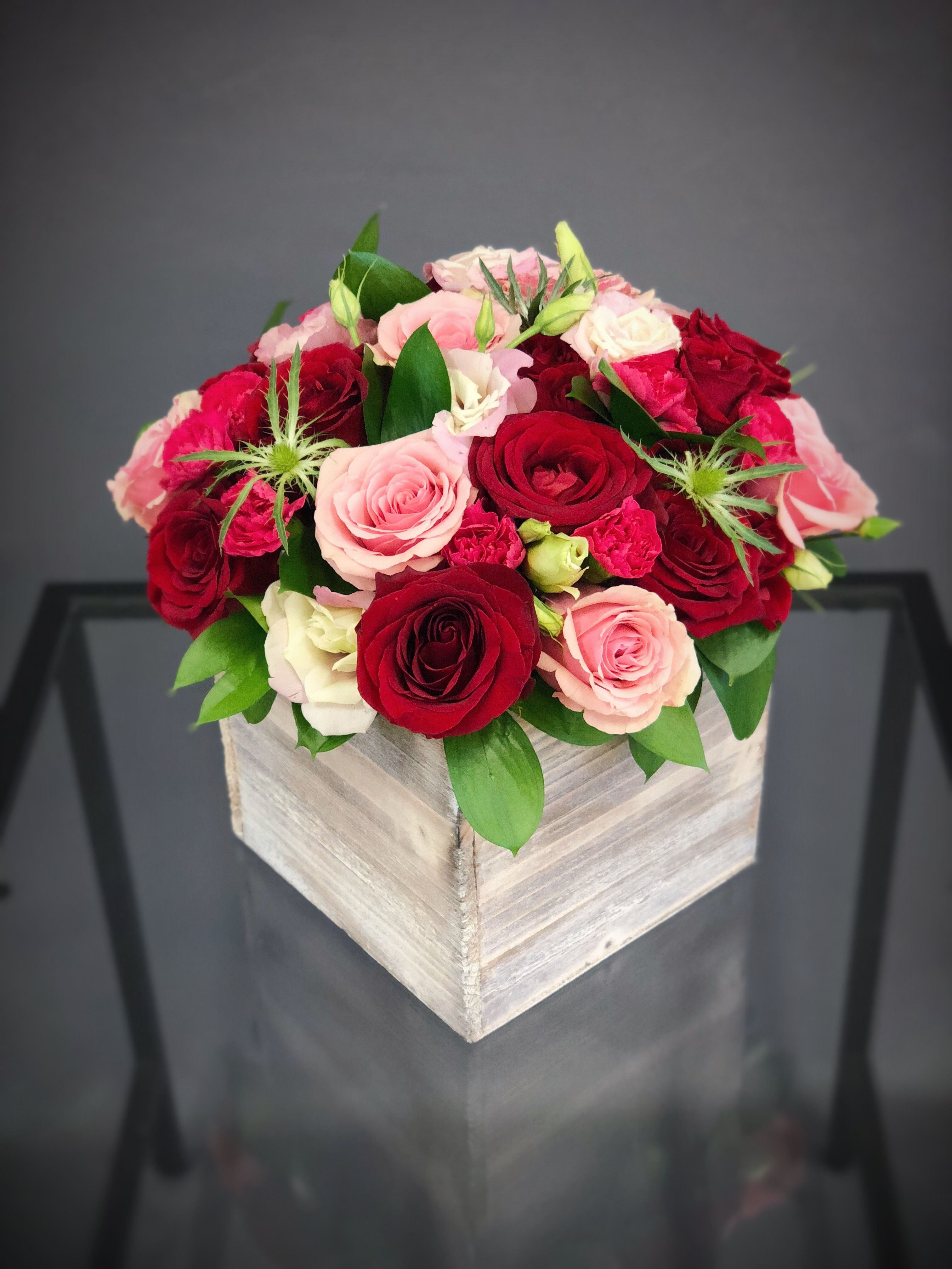 25 Wood Box Arrangement Red Pink Large In Hallandale