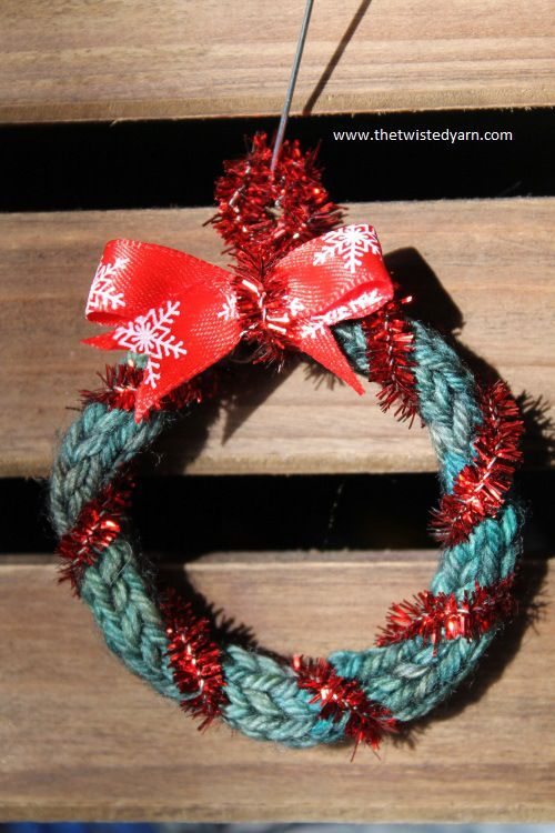 Easy Knitted Wreath Knit Projects Pinterest Knitted Christmas