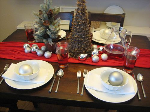 I should make a tree like that one but with pinecone spines instead of feathers pinned onto a styrofoam cone. Love the table setting! & Set The Table For Christmas Dinner With Style This Holiday Season ...