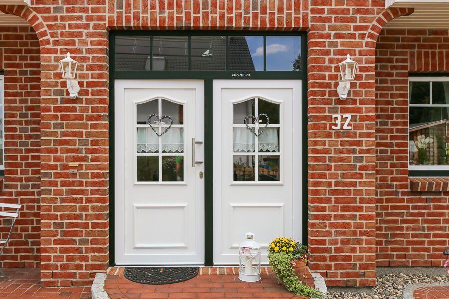 Haustür Im Landhausstil Aus Holz Weiß Mit Fenster Und Oberlicht