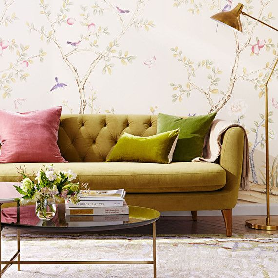 style floralwallpaper curvyfurniture goldaccents svibe trends interiordesign homedecor homedecortrends also these decor will be big in design rh pinterest