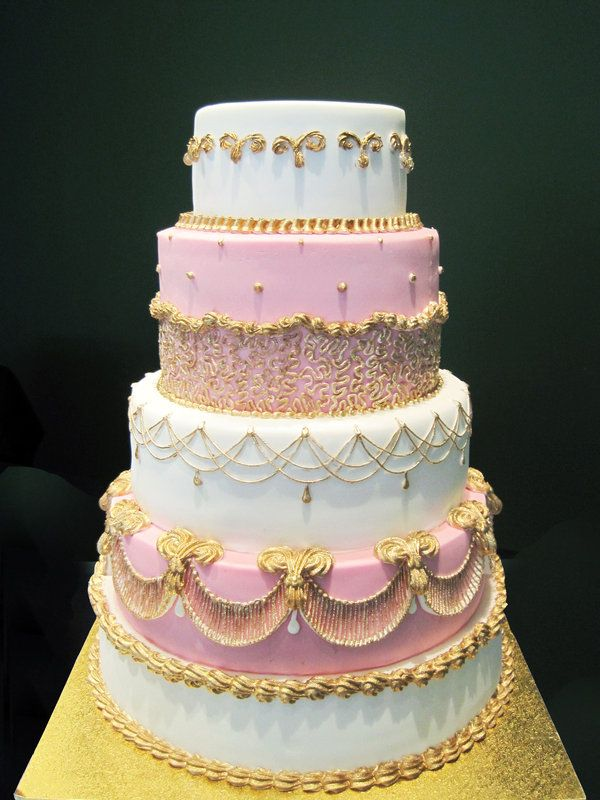 5 Tier Wedding Cake Featuring Royal Icing Piping And String Work Very Pretty Looks More Like A Birthday Than To Me