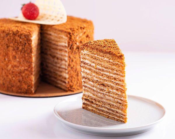 Medovik - Tort rusesc cu miere - Pastry Workshop