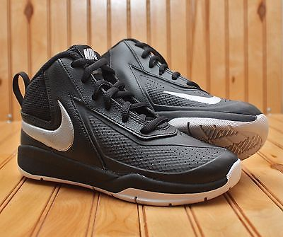 960a207296e7 Nike Team Hustle D7 Size 1Y - BLACK White - 747999 001