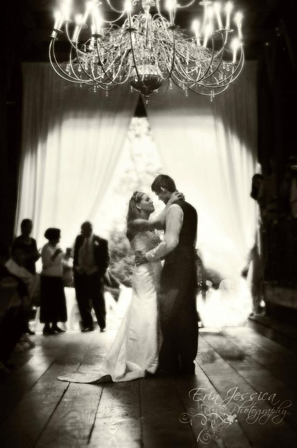 First Dance Songs 8 Clic Rock The Pink Bride Www Thepinkbride Image Courtesy Of Erin Jessica Photography