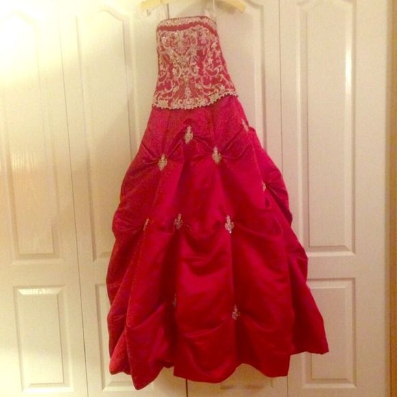 Quinceañera or sweet 16 dress Worn once for my Quinceñera. In beautiful condition. Dresses