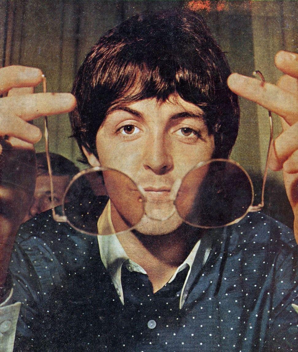 Paul McCartney (With images) | Paul mccartney, The beatles ...
