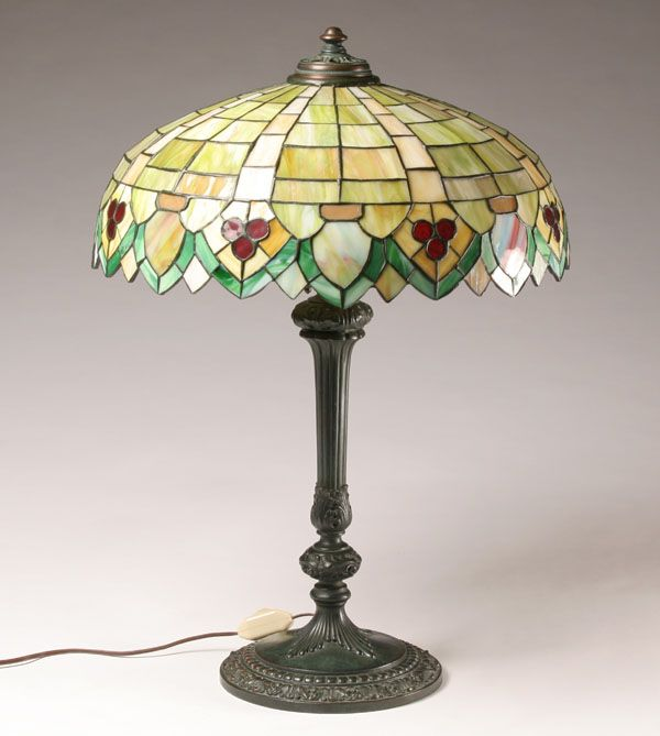 Early 20th century moran hastings manufacturing co chicago slag glass table lamp hubbed