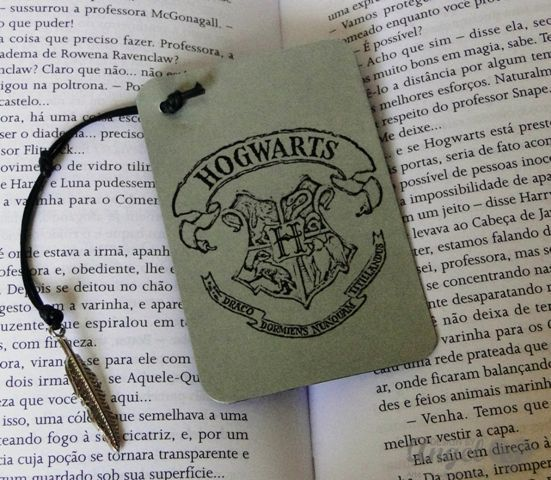 MARCADOR DE LIVROS - Harry Potter - Hogwarts - DESIGN BY ...