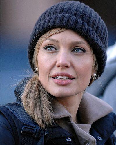 Angelina Jolie - Salt | hair | Angelina jolie photos